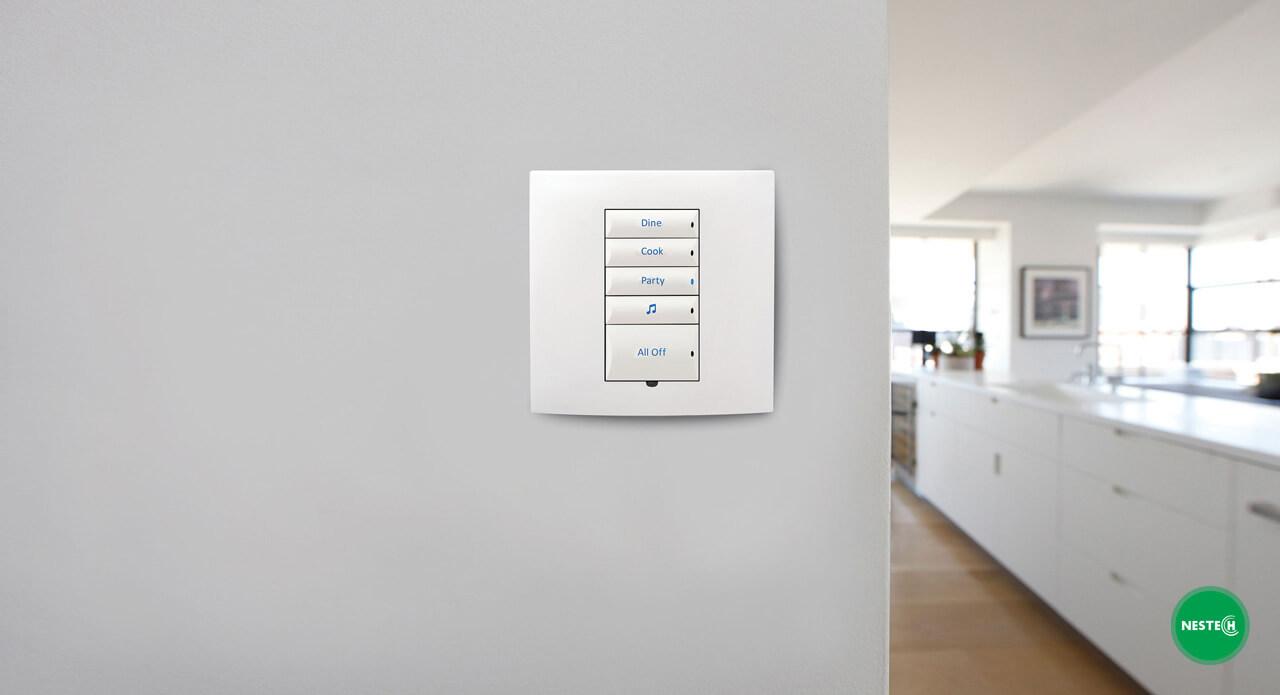 پیاده سازی روشنایی هوشمند و تهیه سایر تجهیزات خانه هوشمند، علاوه بر اینکه کنترل راحتتر خانه را برای شما فراهم میکند، بر ارزش و قیمت خانه هوشمند شما تاثر گذار است.
