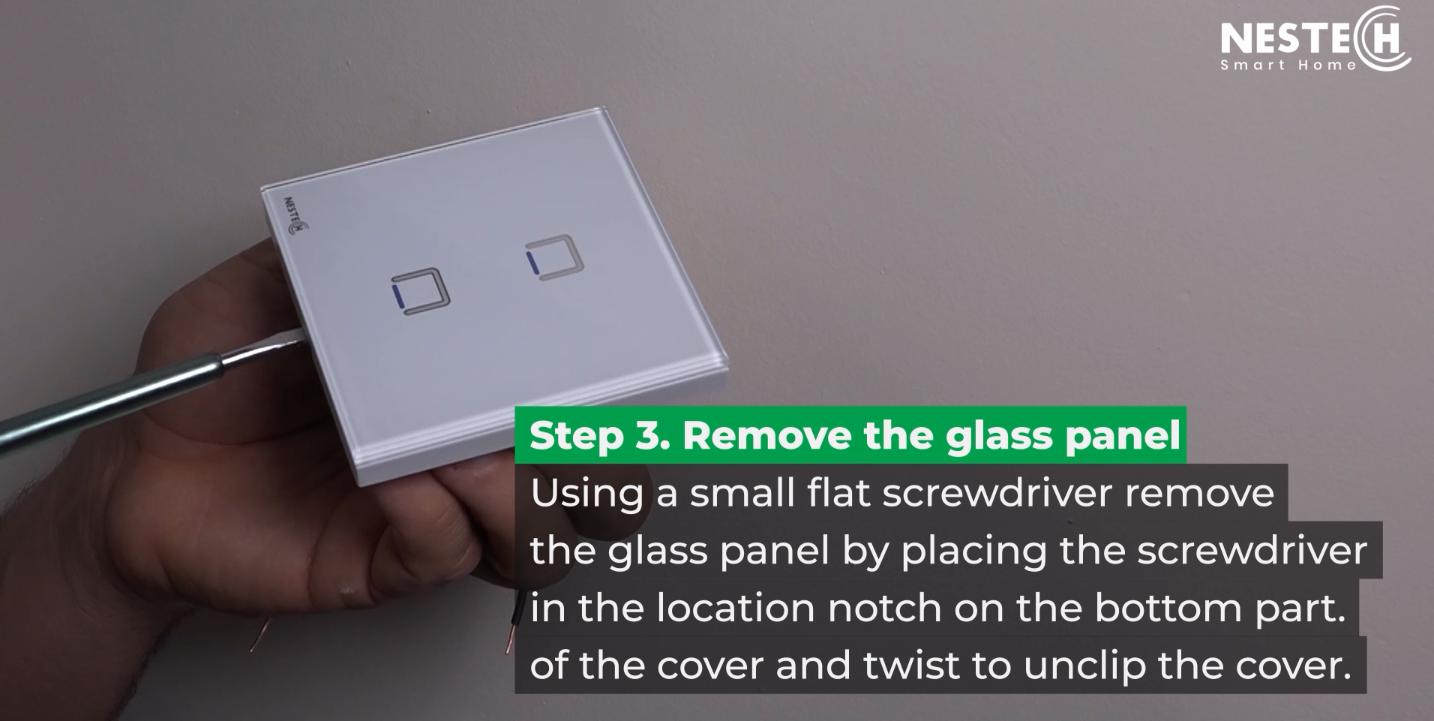 هنگام نصب کلید و پریزهای لمسی ـ به دلیل مجهز بودن به صفحه کریستال ـ نیاز است که صفحه کلید را بردارید.