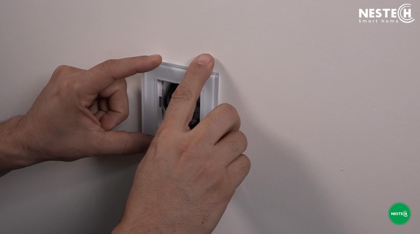 هنگام نصب سوکت برق حتما به استاندارد های نصب کلید و پریز دقت کنید.